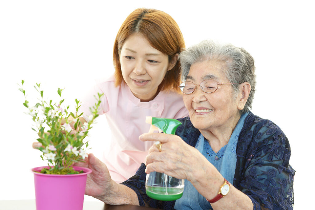 Caregiver in Glenolden PA: Benefits of Home Care